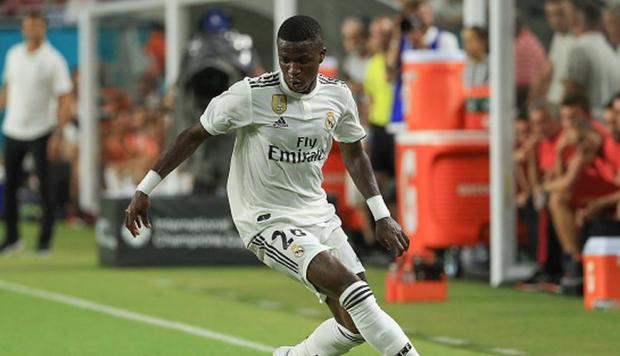 Vinicius Junior se burló de esta forma de Luke Shaw en el Madrid vs. United. (Getty)