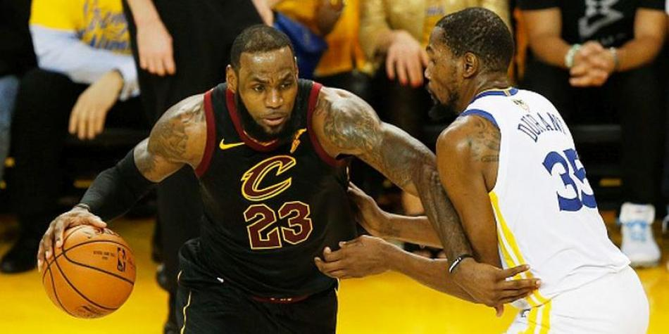 Golden State Warriors puso la serie 2-0 ante Cleveland Cavaliers — NBA