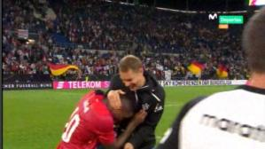Perú vs. Alemania: Jefferson Farfán y Manuel Neuer se juntaron al final del partido y bromearon [VIDEO]