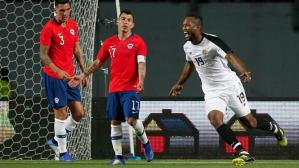 Kendall Waston completó doblete ante Chile. (Teletica)