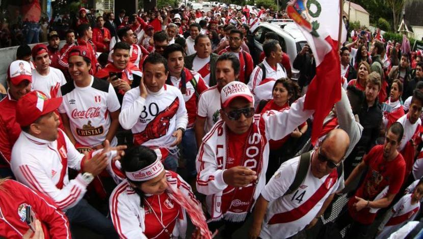 Perú vs. Nueva Zelanda: banderazo video