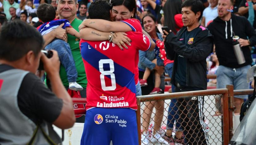 Cienciano Vs. Carlos A. Mannucci: the celebration of Renzo Sheput after scoring a goal. (Mannucci)