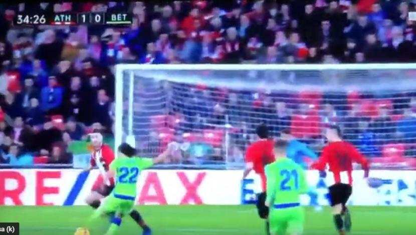 Diego Lainez showed a very good play at Betis vs. Athletic and almost not got the 1-1 level for the badges in San Mamés.