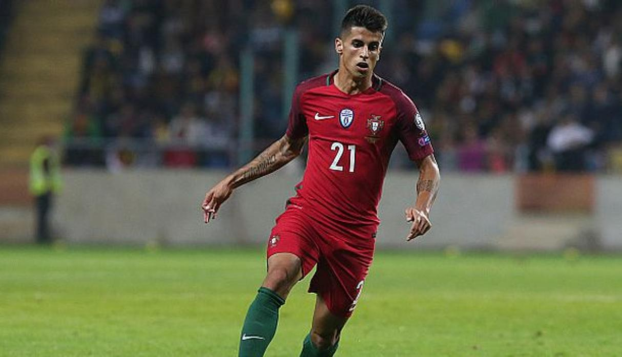 Barcelona ya mueve sus fichas: Joao Cancelo candidato a lateral derecho