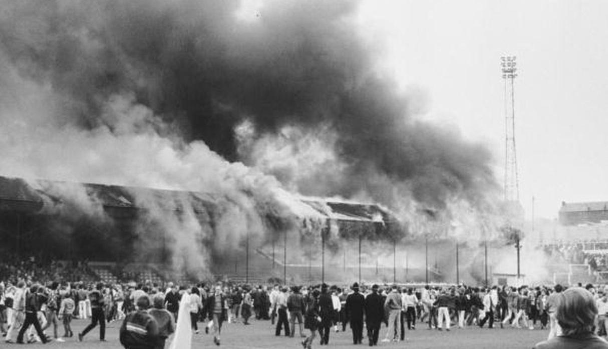 Inglaterra, 1985. Incendio en el Estadio de Valley Parade (Foto: Getty Images)