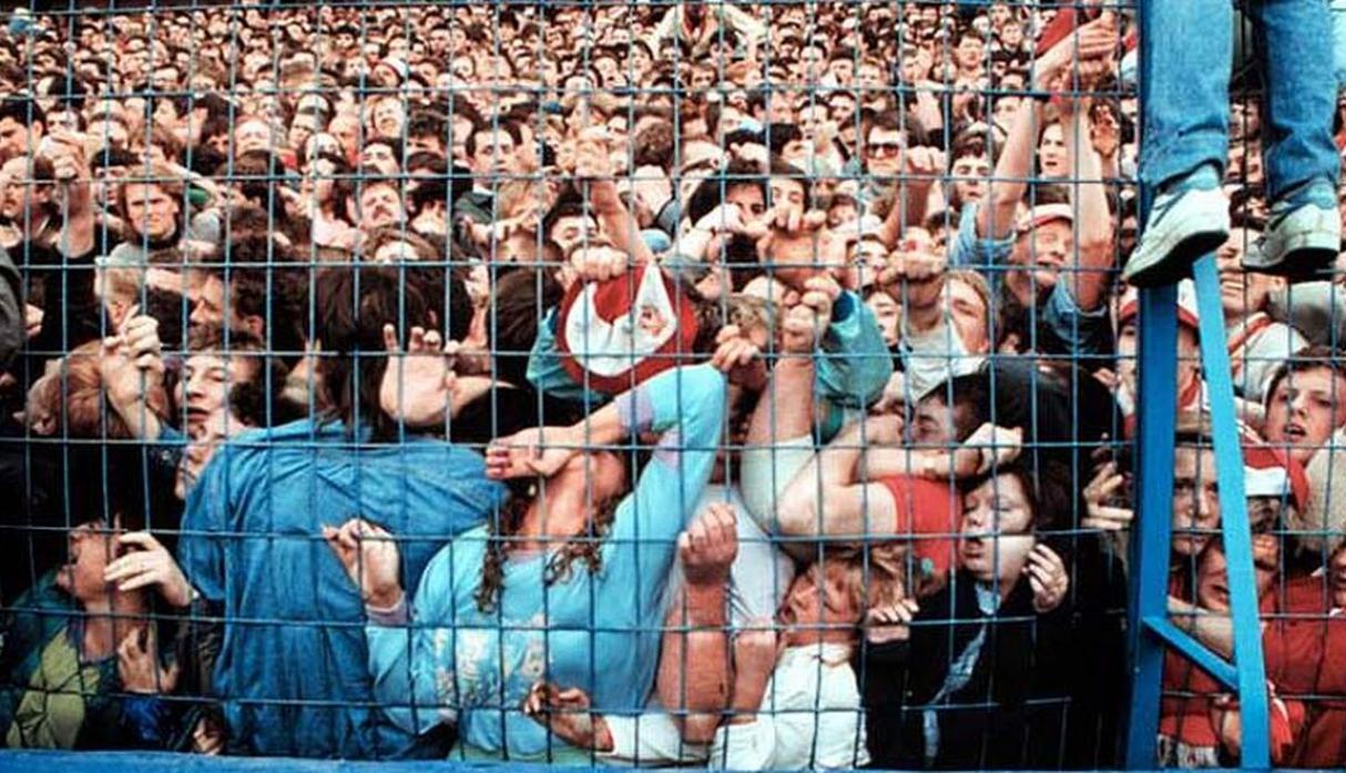 Inglaterra, 1989. Avalancha en el Estadio Hillsborough. (Foto: internet)
