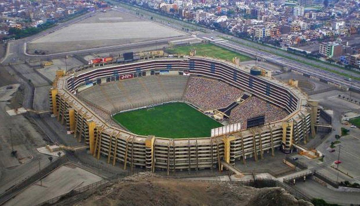 Estadio: Monumental de Lima / Capacidad: 80.093 / Club: Universitario de Perú. (USI)I)