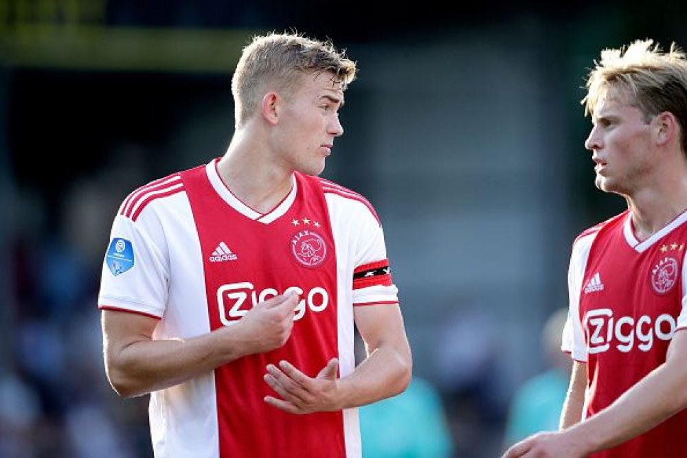 Matthijs de Ligt of Ajax, Frenkie de Jong of Ajax during the Dutch Eredivisie