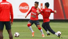 Está 'On Fire': Christofer Gonzáles anotó hat-trick en la práctica de la Selección Peruana [VIDEO]